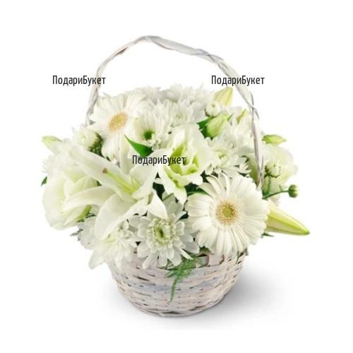 Доставка на кошница с бели цветя в София, Пловдив, Варна, Бургас