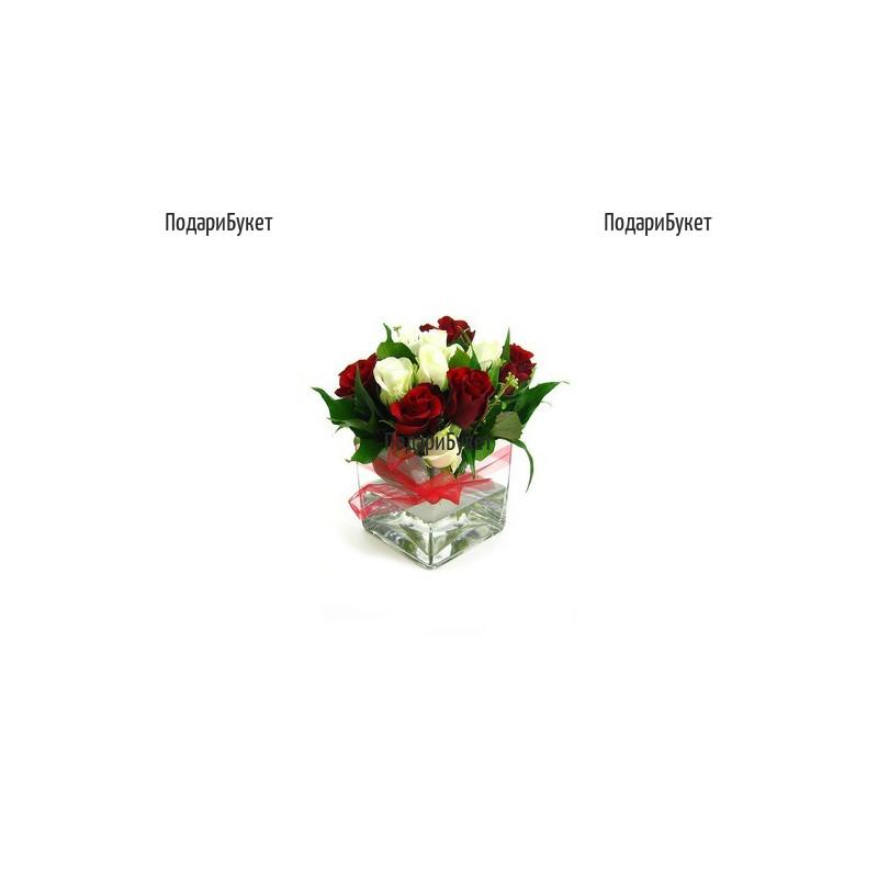 Доставка на аранжировка от рози и стъкло