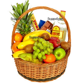 Original gift for the whole family - fruits and sweets